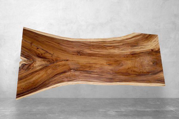 Baumstamm Tischplatte aus Akazie mit einzigartiger Naturmaserung - Länge 280 cm - front view1