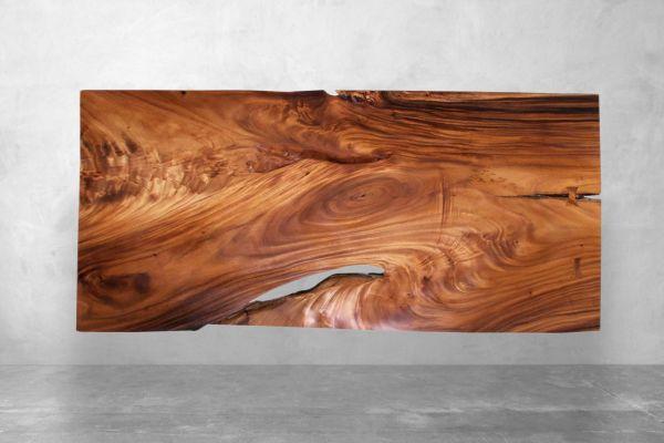 Baumstammtisch mit außergewöhnlichen Rissen - Länge 180 cm - front view1