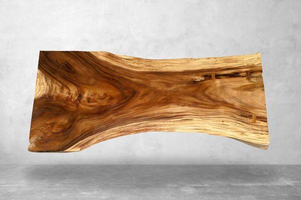 Baumstammtisch mit natürlichen Maserung - Länge 258 cm - front view1