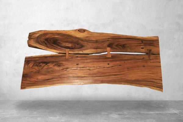 Baumstammtisch mit Naturrissen - Länge: 232 cm - front view1