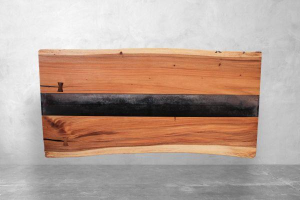 Baumstammtisch River Table mit Epoxideinlagen - Länge 200 cm - front view1