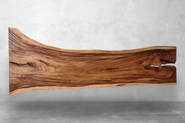 Baumstamplatte-mit-schoener-Maserung-front view1