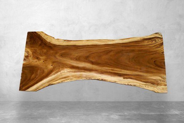 Moderner Baumstammtisch aus Akazie - Länge 270 cm - front view1