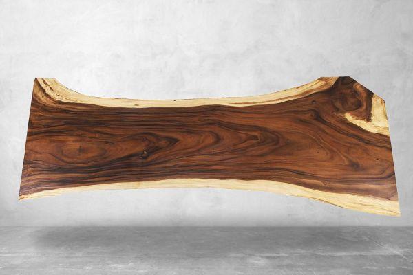 Baumstamm Tischplatte aus edlem Suarholz für 12 Sitzplätze - Länge 324 cm - front view2