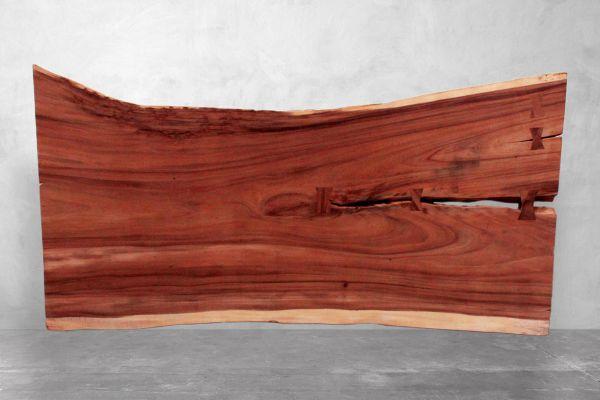 Tischplatte Baumstamm mit außergewöhnlicher Suar-Naturkante - Länge 201 cm - front view1